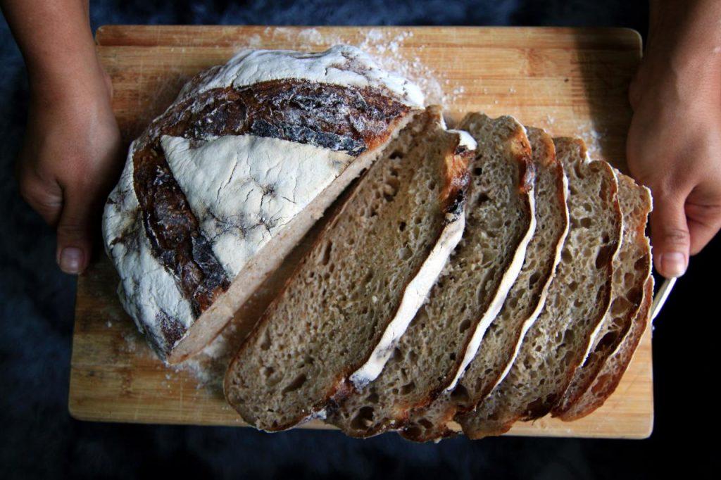 Démystifier le gluten: symptômes des régimes sans intolérance-sans gluten
